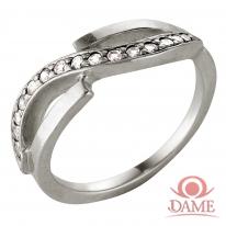Кольцо из серебра 925 пробы с фианитами.
